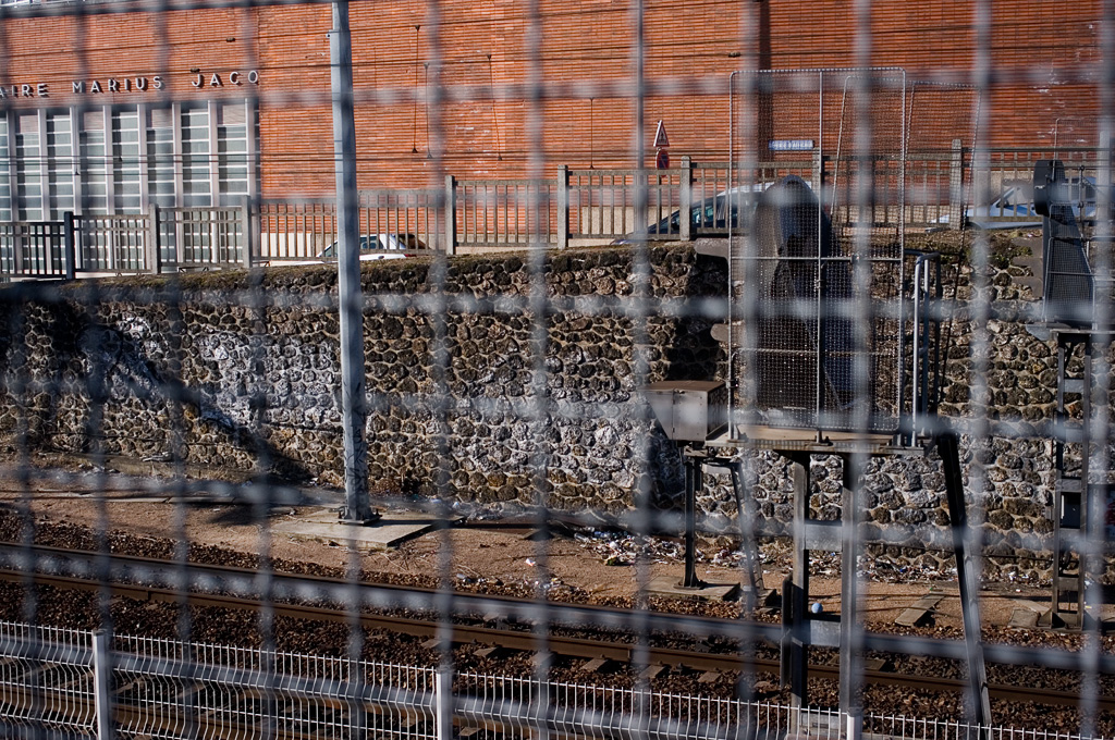Grillage, gare de Puteaux